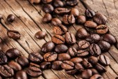 Roasted coffee beans — Stock Photo
