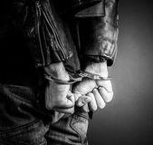 Člověk ruce v poutech — Stock fotografie