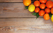 Citrus fruits - orange, lemon, tangerine — Stock Photo