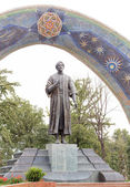 Statue of Rudaki. Dushanbe, Tajikistan — Stock Photo