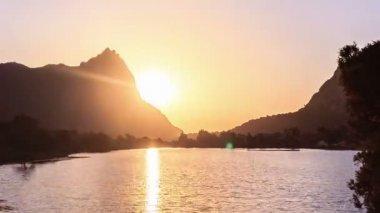 在湖的日落 — 图库视频影像