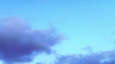 Parlak bulutlar — Stok video