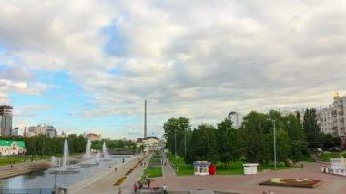 Promenade with fountain — Stock Video