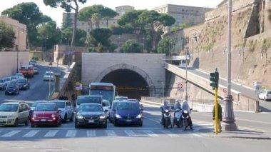Arch Galleria Principe Amedeo di Savola — Stock Video