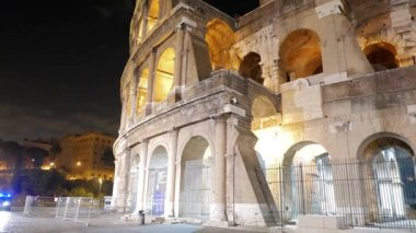Colosseum. Rom under natten. Italien — Stockvideo