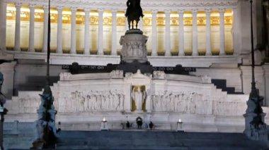 Monumento a Vittorio Emanuele II. Night. Rome, Italy — 图库视频影像