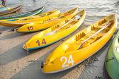 Canoes on the beach — Stock Photo