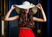Girl in red dress posing — Stock Photo