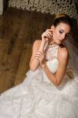 Bride in the vintage room — Stock Photo