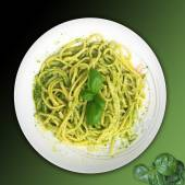 Italian food:linguine with pesto sauce — Stock Photo