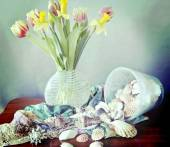 Still life,spring flowers, shells and silk scarves — Stock Photo