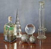 Glass paraphernalia on a wooden table — Photo