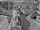 Ropes fastened on the deck of a sailing vessel — Stock Photo
