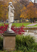 Mythological classical statue in public park — Stockfoto
