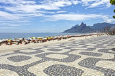 People on the Beach in Rio de Janeiro — Stock Photo