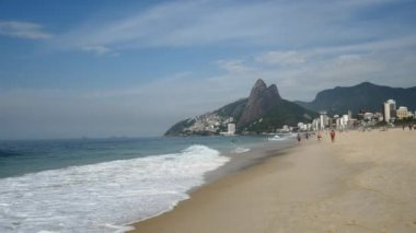 People on the Beach in Rio de Janeiro — Stock Video