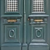 Vintage house green door detail — ストック写真