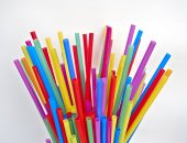 Drinking straws on white paper, space for typing — Stockfoto