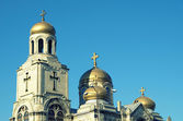 The Assumption Cathedral of Modern Byzantine style with golden domes, Varna, Bulgari — Stock Photo