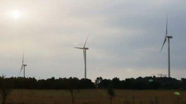 Wind turbine farm — Stock Video