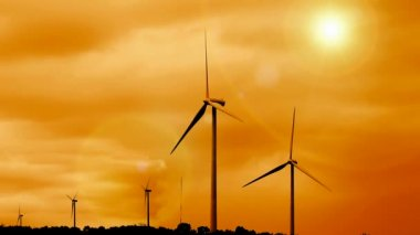 Sunrise and renewable wind farm — Stock Video