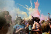 People Throw Color Bombs At Bubble Palooza Event — Stock Photo