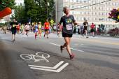 Senior Woman Runs In Atlanta Peachtree Road Race — Foto de Stock