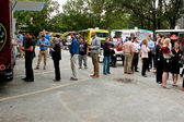 Customers Wait In Line To Order Meals From Food Trucks — Stock Photo