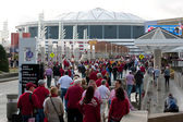 Hundreds Of Alabama Fans Walk Toward Georgia Dome — Stock Photo