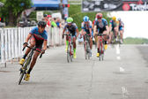Teenagers Compete In Amateur Bike Race On City Streets — Stock Photo