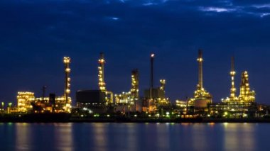 Time Lapse Oil Refinery Station Night To Day — Stockvideo