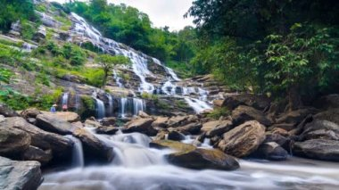 MAEYA Waterfall Famous Cascade Of Inthanon National Park, Chiangmai, Thailand — Stock Video