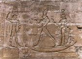 Egyptian hieroglyphs on the wall in the Sobek temple in Kom Ombo, Egypt — Foto de Stock