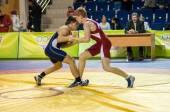 Jeugd wedstrijden op sportieve worstelen — Stockfoto