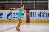 Girl figure skater — Stock Photo