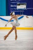 Girl figure skater in singles skating, Orenburg, Russia — Fotografia Stock