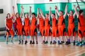 Boys play basketball, Orenburg, Russia — Stock Photo