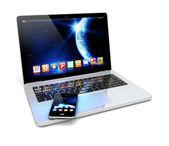 Laptop, en smartphone — Stockfoto
