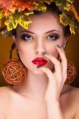 Splendida donna con concetto autunno moda — Foto Stock