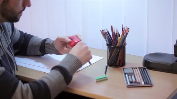 Preparar su lugar para el dibujo de la artista — Vídeo de stock
