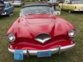 1954 Kaiser Roadster rojo coche — Foto de Stock