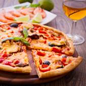 Pizza with seafood. — Stock Photo