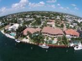Dure waterkant huizen in Florida — Stockfoto