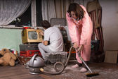 Young Couple Cleaning an Abandoned Room — Stock Photo