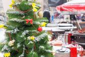 Decorated Christmas Tree at Street Market — Stock Photo