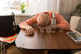 Drunk Disable Old Man Sleeping on the Table — Foto de Stock