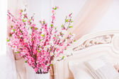 Pretty decoration of pink spring blossom — Stock Photo