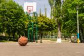 Basketball on Empty Basketball Court — Stock Photo