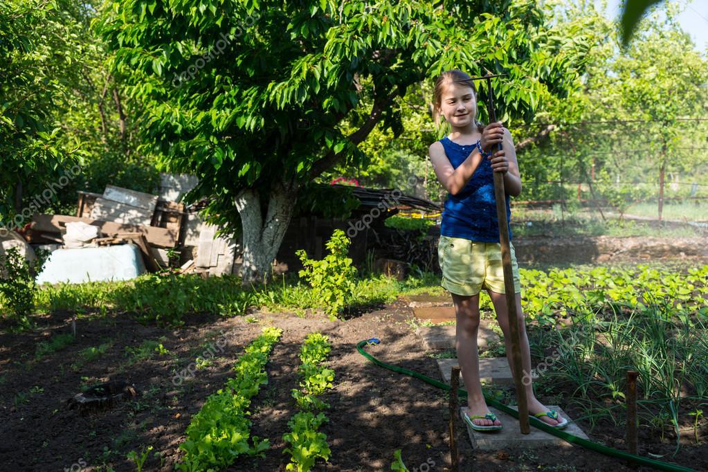 Девушка огород фото