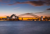 Opera House & Harbour Bridge in Sydney — Foto de Stock